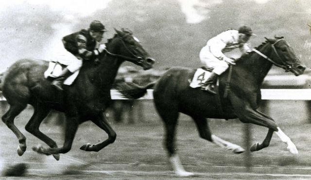 Upset (in front) with Johnny Loftus up, held off a hard charging Man o' War in the 1919 Sanford Stakes at Saratoga. It would be Big Red's first and last defeat. (C.C. Cook/ Times Union Archives)